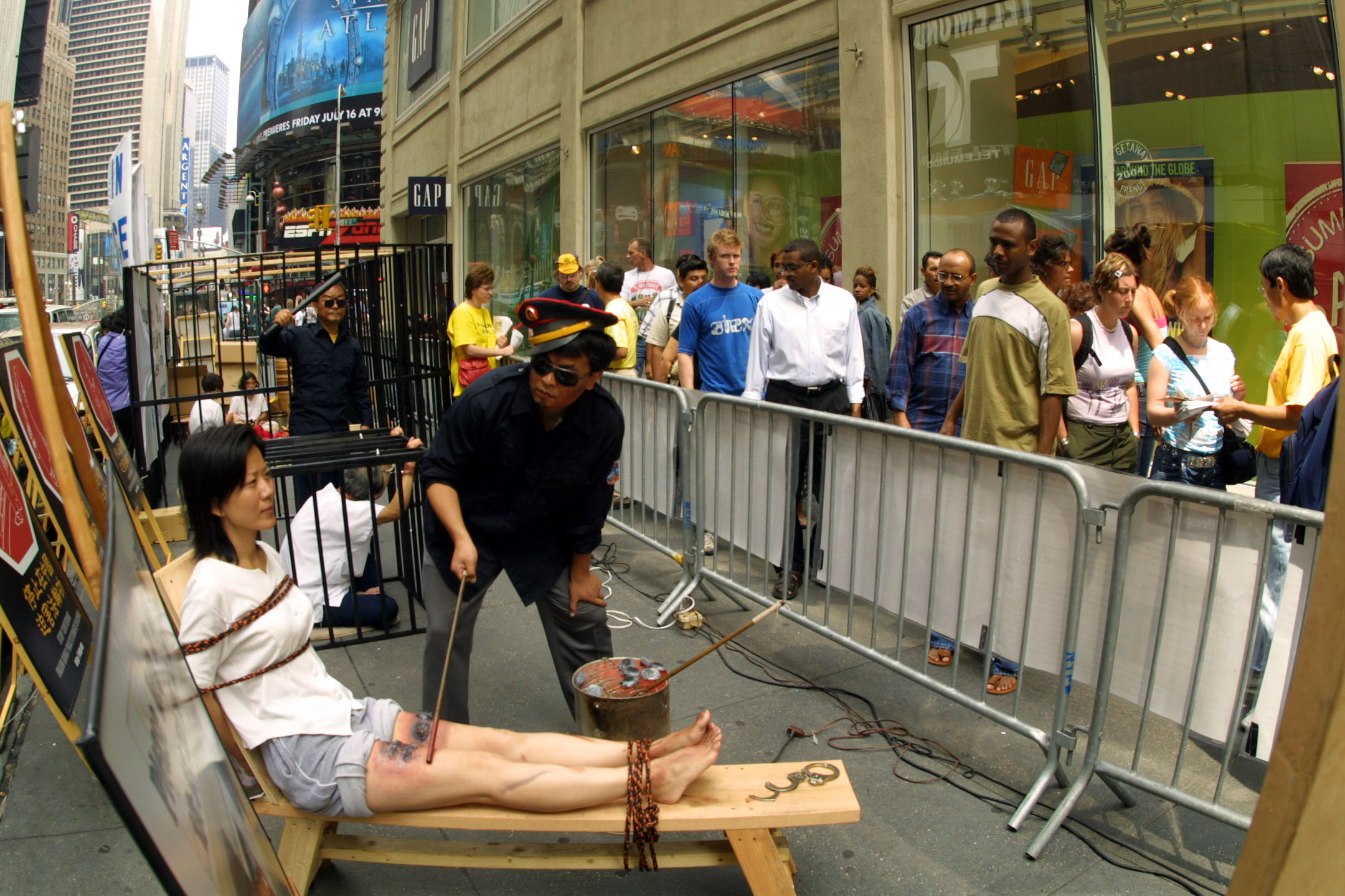New York: Falun Gong Practitioners Hold Anti-Torture ...
